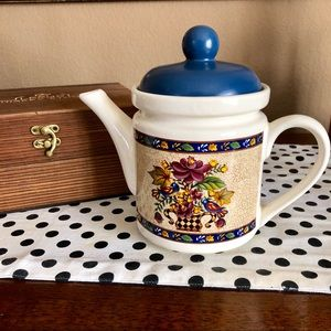 Vintage Wang's International Floral Cottage Teapot